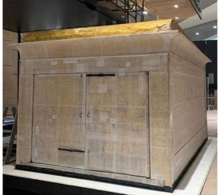 نقل مقصورة توت عنخ آمون للمتحف المصري الكبير